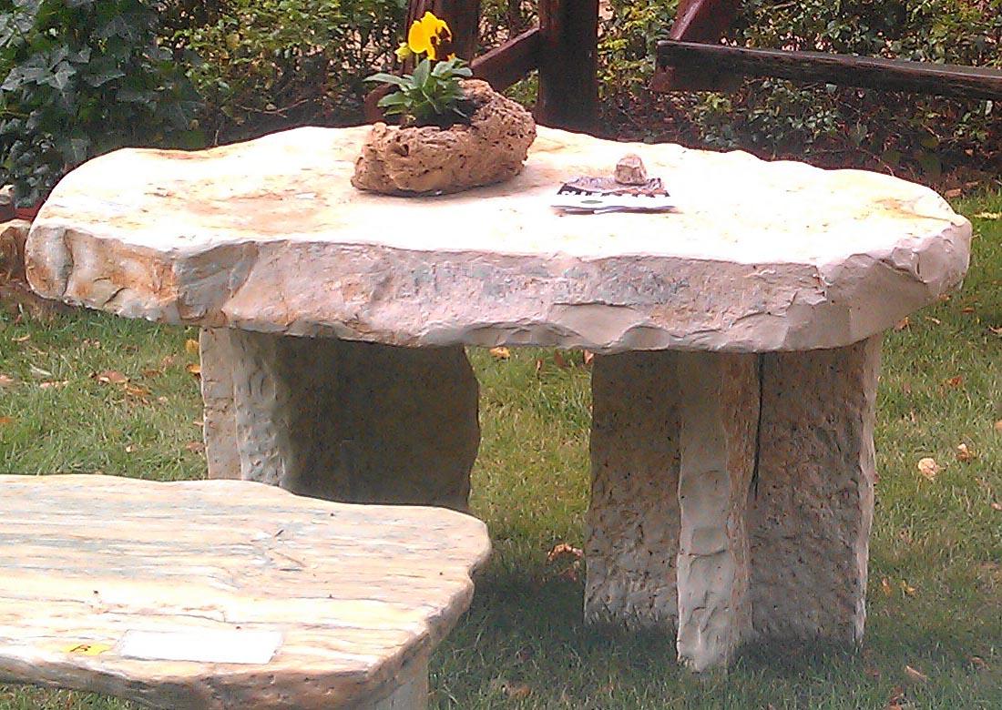 Gartentisch Aus Naturstein Naturstein Centrum Lpm