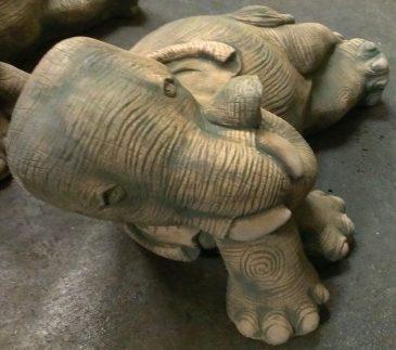 Gartenfigur Elefant aus Sandsteinguss