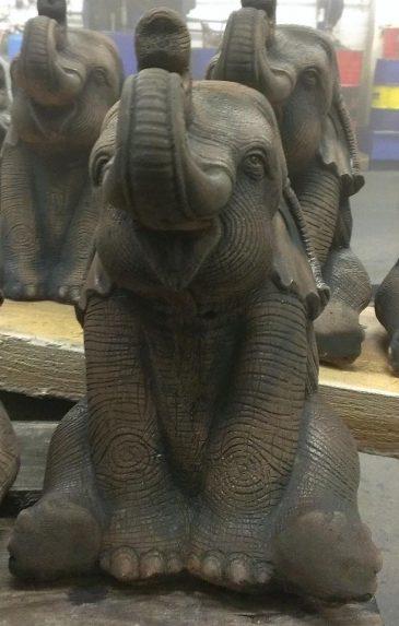 Elefant als Dekofigur für Haus und Garten