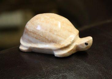 Schildkröte aus Naturstein Marmor-Kalkstein
