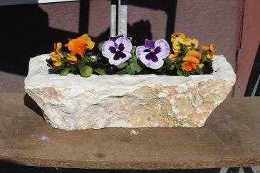 Blumenkasten Balkonkasten Pflanzschale aus Naturstein