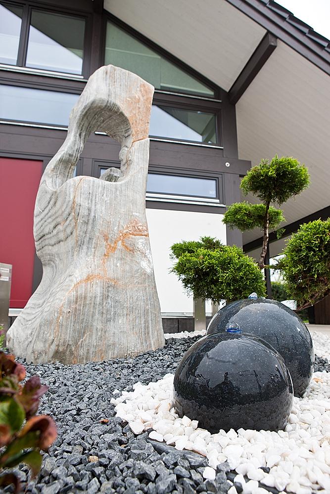 Ozeanfindling_Skulpturstein_japanischer_Garten
