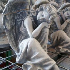 Engelfigur schlafend