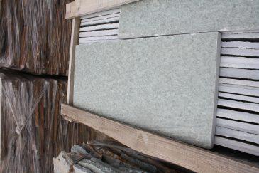 Karisto grün Terrassenplatten in Bahnen