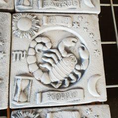 Sternzeichen Skorpion Bild zum Aufhängen Gartendekoration Naturstein Centrum LPM Krostitz bei Leipzg