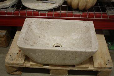 Waschbecken aus Naturstein